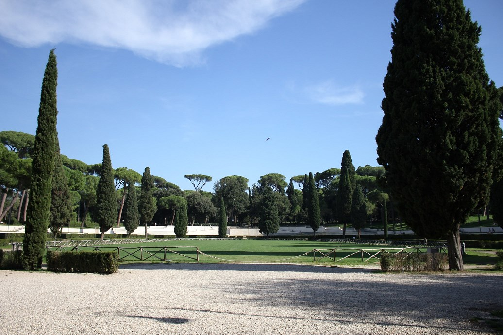 essential guide to villa borghese Piazza di Siena
