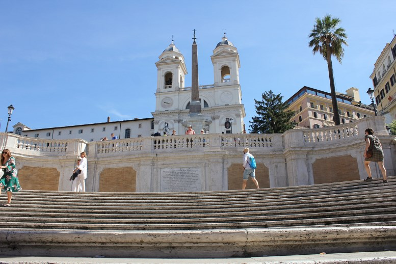 where is the villa borghese Spanish Steps