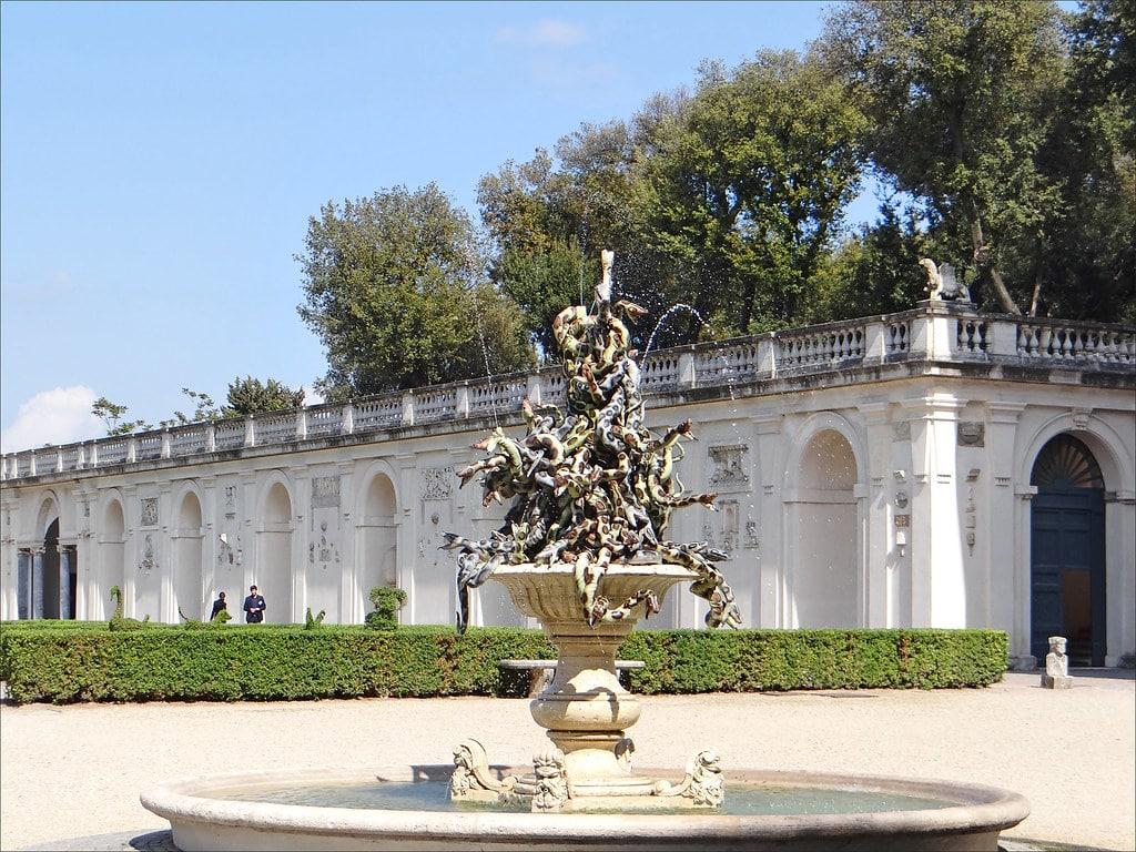villa medici roma garden